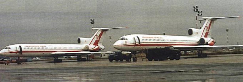 Tu-154 M nb 101 i nb 102 Okęcie 2004 rok. Zdjęcie LAC