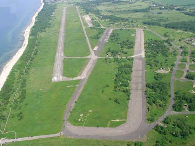 Lotnisko Bagicz w widoku z samolotu. 2006r.
