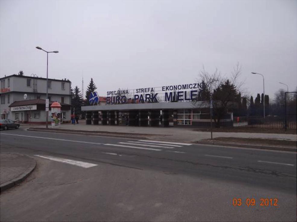 Główne wejście na teren SSE Euro Park Mielec, a do 1995r. WSK PZL Mielec. 2012 rok. Zdjęcie Karol Placha Hetman