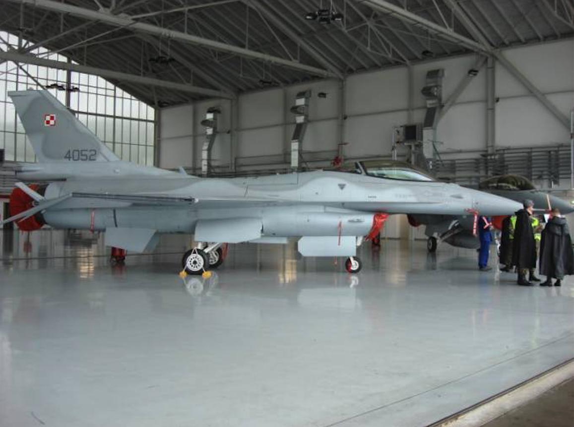 F-16 nb 4052 Jastrząb Krzesiny. 2007 rok. Zdjęcie Karol Placha Hetman