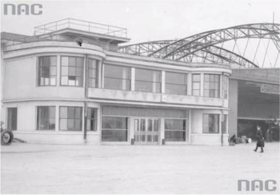 Dworzec Okęcie w pełnej krasie. 29 kwiecień 1934 roku. Zdjęcie NAC