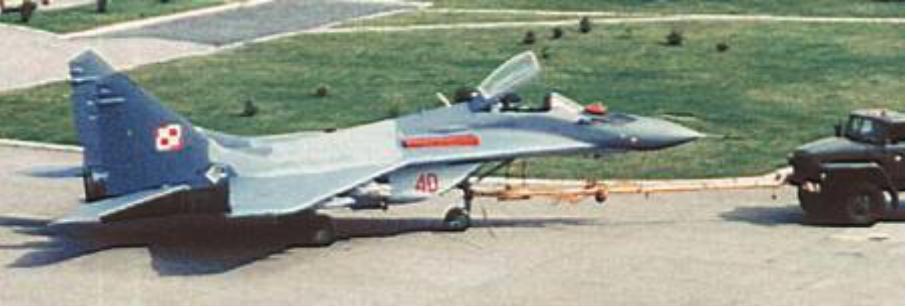 MiG-29 nr 32040 kupiony z Czech. Już w nowym kamuflażu i po remoncie. Bydgoszcz 2002 rok. Zdjęcie LAC