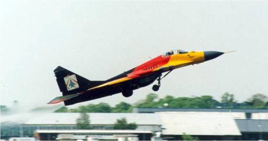 Niemiecki MiG-29 G nr 26315 nb 29-20 podczas pokazu 2002 roku. Zdjęcie LAC