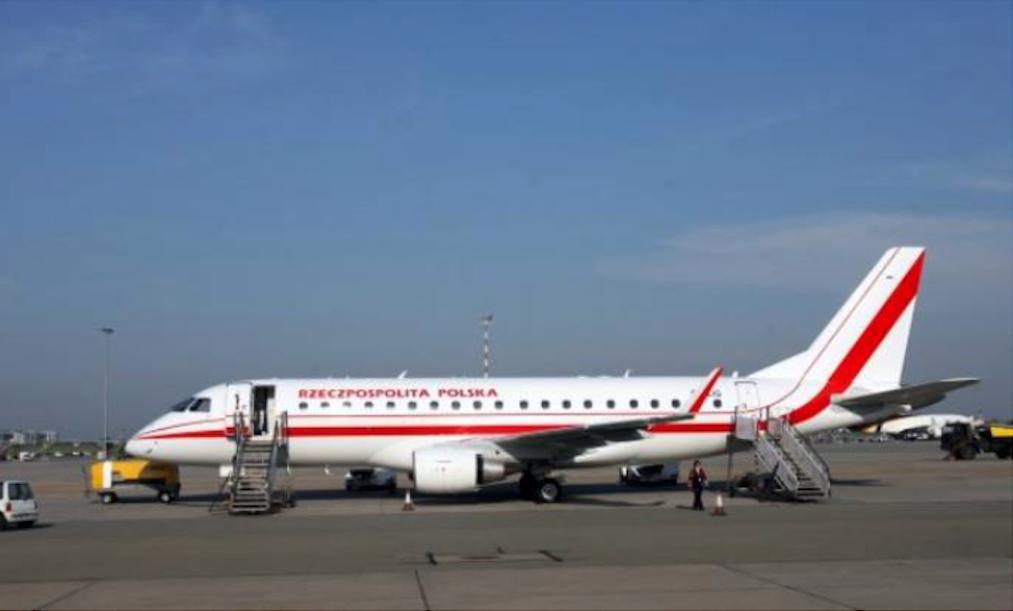 Rządowy Embraer E-175 SP-LIG Okęcie 2010 rok. Zdjęcie LAC