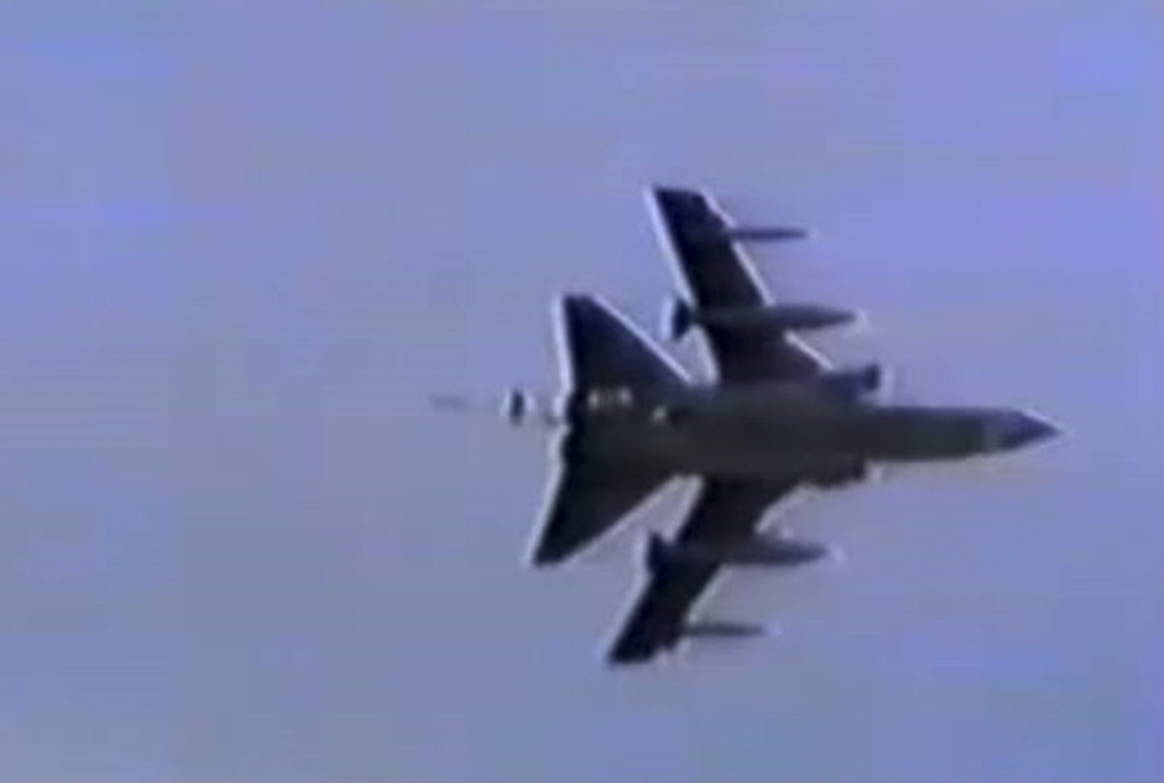 Tornado Ławica 1991r. Tornado Ławica 1991 rok. Zdjęcie LAC