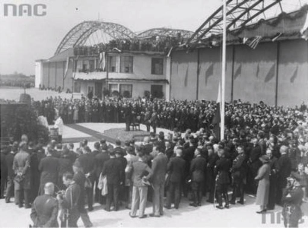 Otwarcie lotniska Okęcie. 29 kwiecień 1934 rok. Zdjęcie NAC
