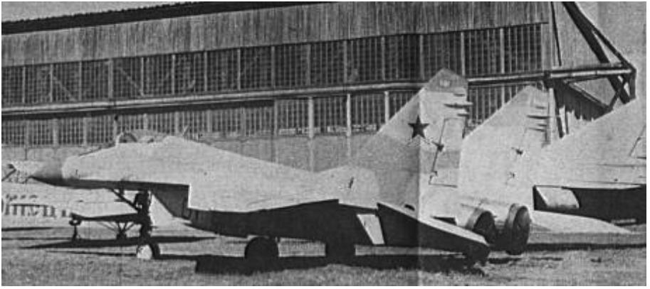MiG-29 (9.01) pierwszy prototyp w muzeum Monino. 1988 rok. Zdjęcie LAC