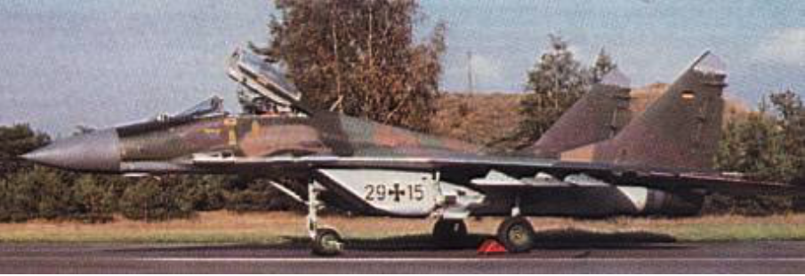 MiG-29 G nb 29-15. 1994 rok. Zdjęcie LAC