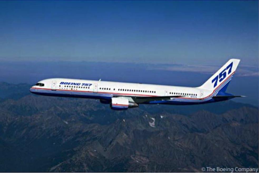 Prototyp Boeing 757 w locie. Zdjęcie Boeing