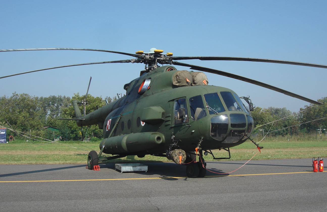 Mi-8 nb 607 medyczny. 2011 rok. Zdjęcie Karol Placha Hetman