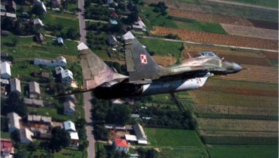 MiG-29 nr 32354 kupony od Czechów. Jeszcze w czechosłowackim kamuflażu. 1996 rok. Zdjęcie LAC