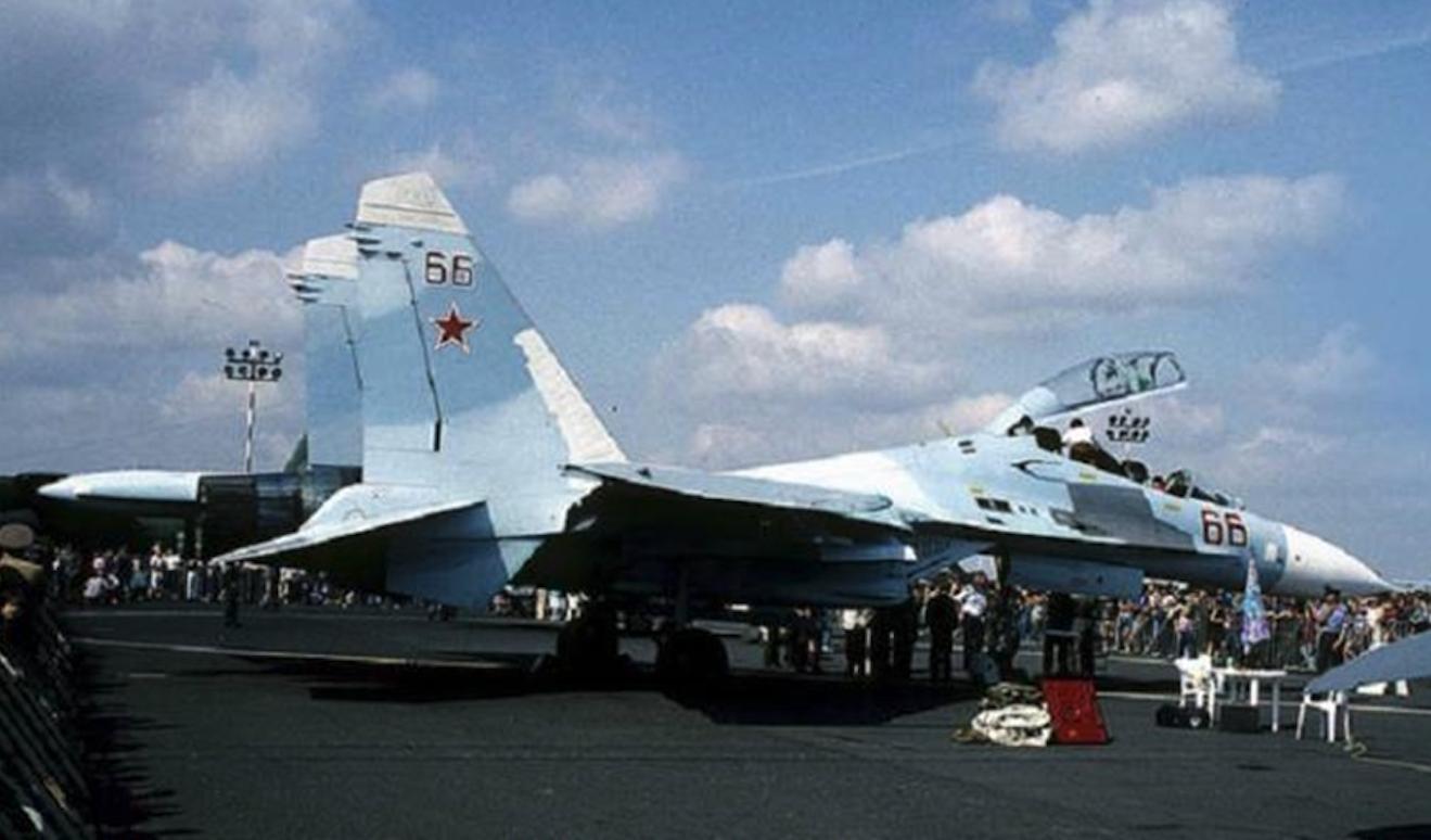 Su-27 UB nb 66. Ławica. 1991 rok. Zdjęcie LAC