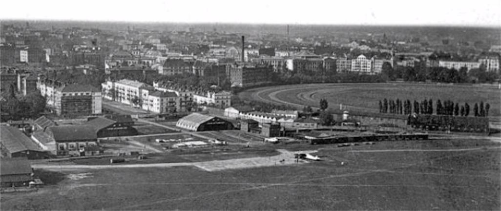 Lotnisko Mokotów. Warszawa 1926 rok. Zdjęcie LAC