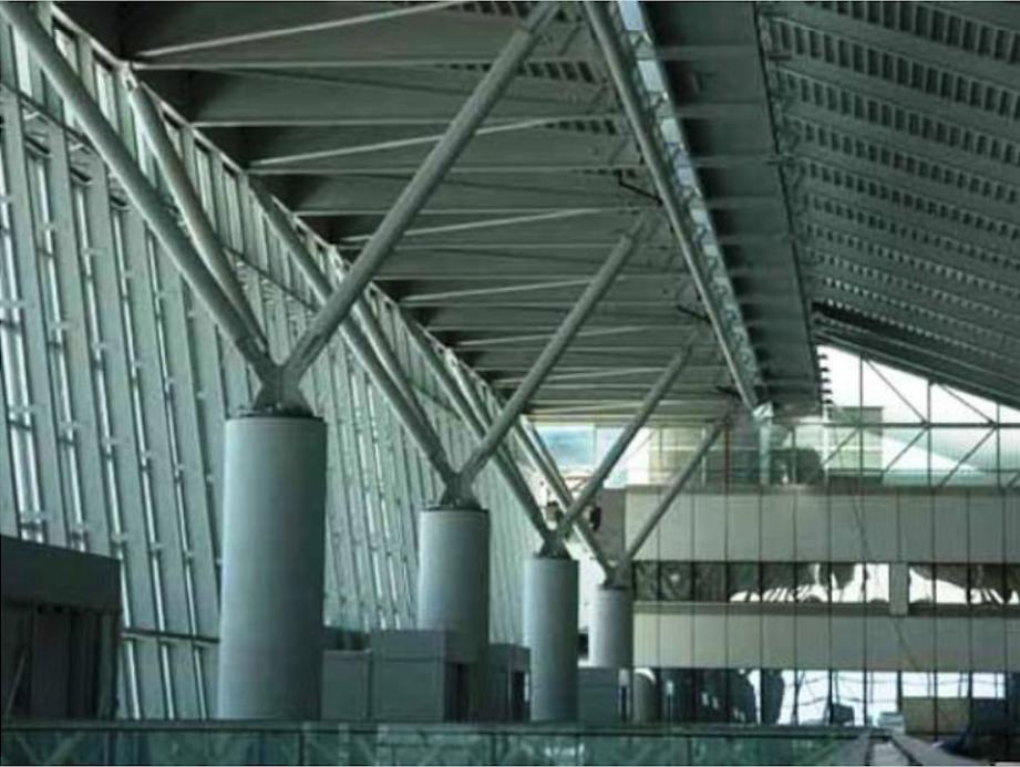 Konstrukcja Terminalu 2. 2005 rok. Zdjęcie LAC
