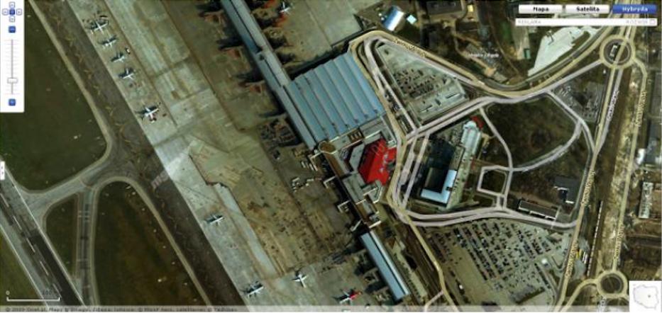 Terminal z pirsami. 2009 rok. Zdjęcie google-map