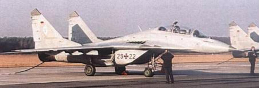 MiG-29 GT nb 29-22 w Bydgoszczy. 2003 rok. Zdjęcie LAC