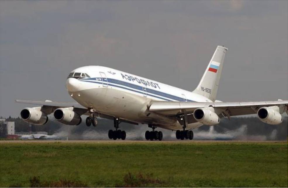 Samolot sowiecki Ił-86. Zdjęcie wykonano już po rozpadzie CCCP. Zdjęcie LAC