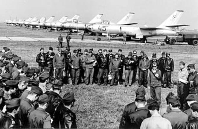 Samoloty Ił-28 i ich załogi – odprawa przed lotami